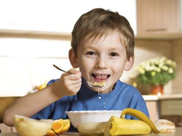 3 ragioni per cui i bambini non dovrebbero mai saltare la colazione