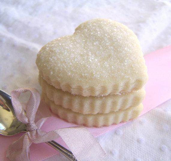 Biscotti a forma di cuore per la festa della mamma