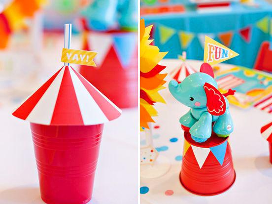 Decorazioni per la festa di carnevale feste bambinopoli - Decorare la tavola per carnevale ...