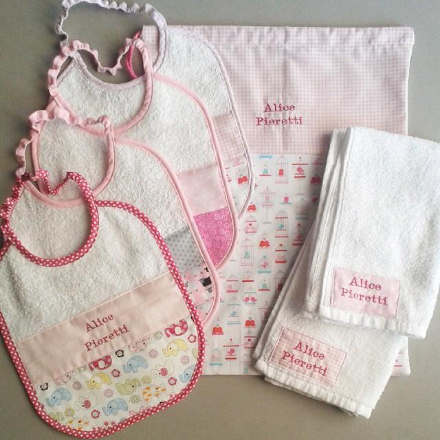 Asciugamani E Bavaglini Personalizzati.Regali Di Natale Personalizzati Da 0 A 3 Anni Neonato Bambinopoli